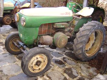 tracteur agricole d 39 occasion pas cher trouvez le meilleur prix sur voir avant d 39 acheter. Black Bedroom Furniture Sets. Home Design Ideas
